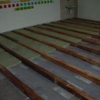 Výmena podlahy v triede ZŠ Košariská - Škoruba, Brezová p./Br.