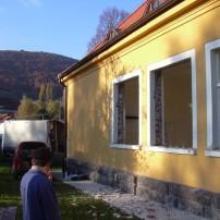 28. október - 26.november 2005Výmena okien na triedach - firma FUTUREX Holíè